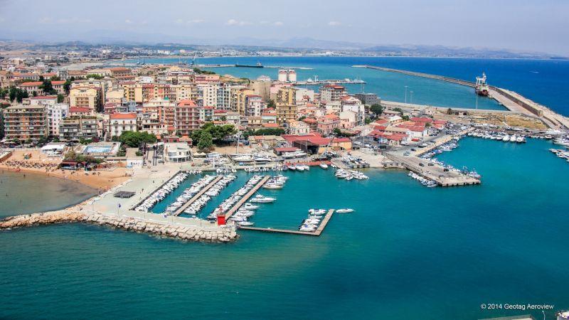Praia Art Resort Hotel
