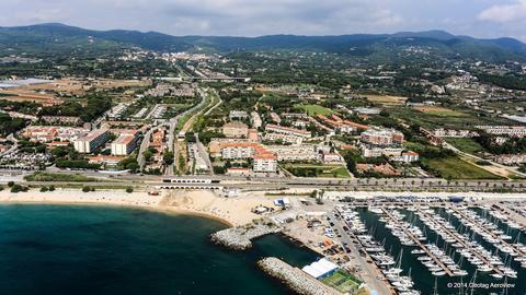 Tripinview Les Barques De Sant Andreu De Llavaneres Beach Les